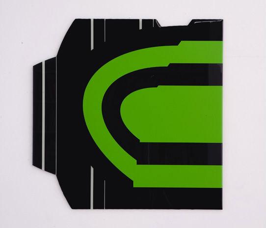 Gebroken Groen III 2010 - 50x50x0,3 cm (foto Hein Hage) - lak en giethars op dibond